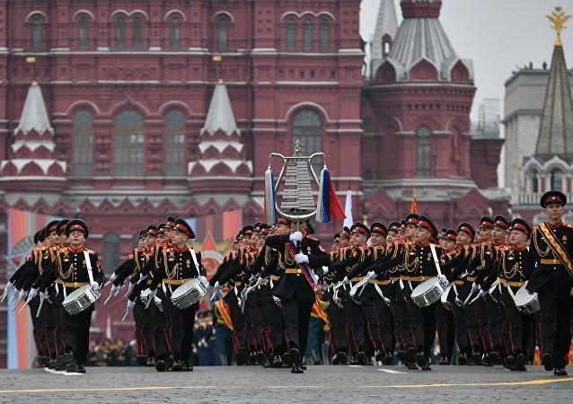 Companhia de tambores durante a Parada da Vitória em Moscou