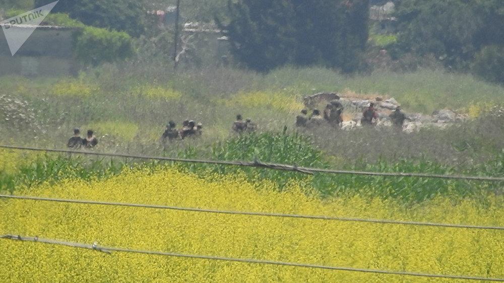 Unidades de elite sírias atacam posições de grupos armados no povoado de al-Hweiz