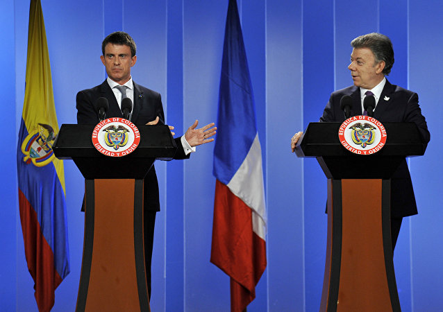 O premier francês, Manuel Valls, durante entrevista coletiva com o presidente colombiano, Juan Manuel Santos