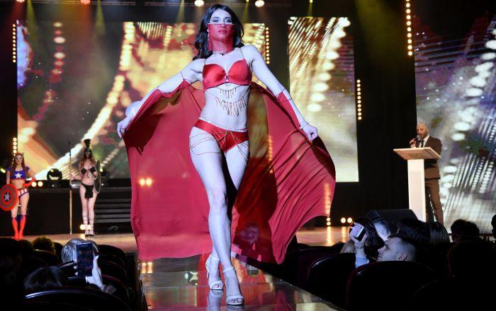 A primeira-vice-miss Elizaveta Suturina durante desfile de biquíni realizado no âmbito do concurso Miss Chita 2019