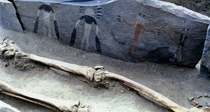 Arte rupestre utilizada em ritual funerário do povo siberiano