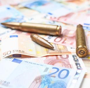Balas sobre cédulas de euro (imagem referencial)