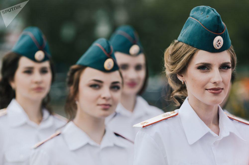 Cadetas do Ministério para Situações de Emergência