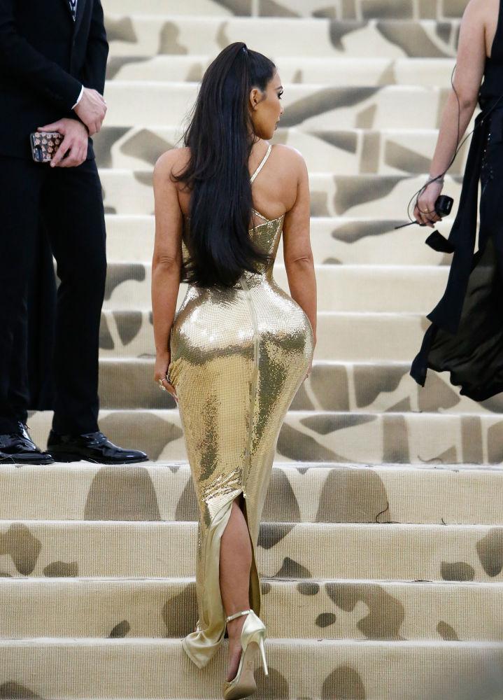 Socialite norte-americana Kim Kardashian em evento no Museu Metropolitano de Arte, em Nova York, EUA