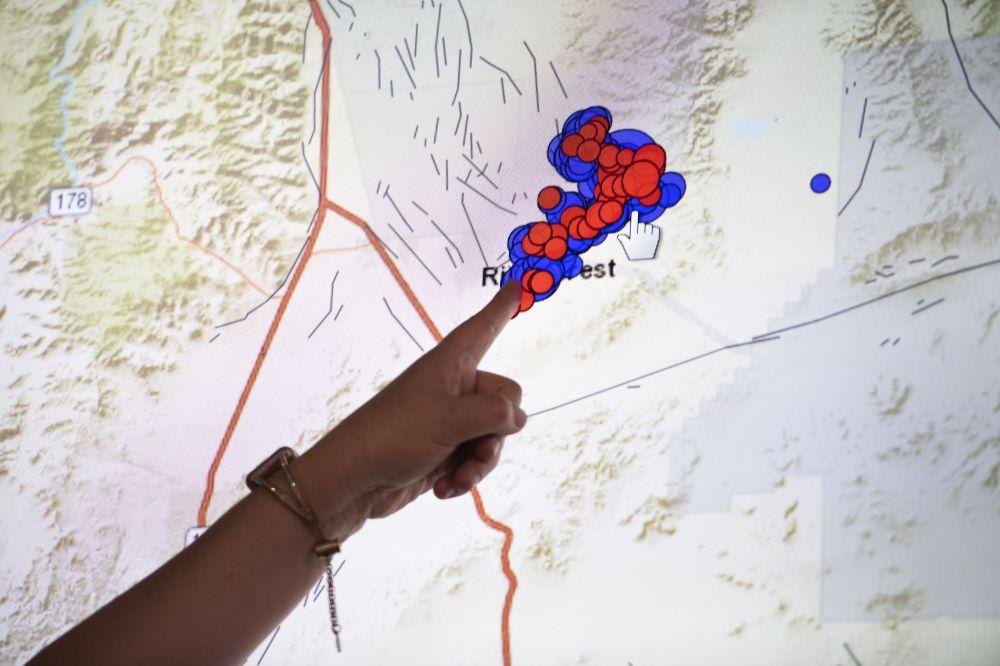 Geofísica mostra no mapa a área de terremoto no sul da Califórnia