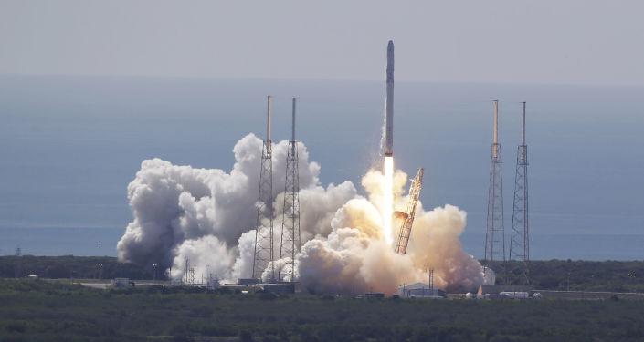 Lançamento do Falcon 9