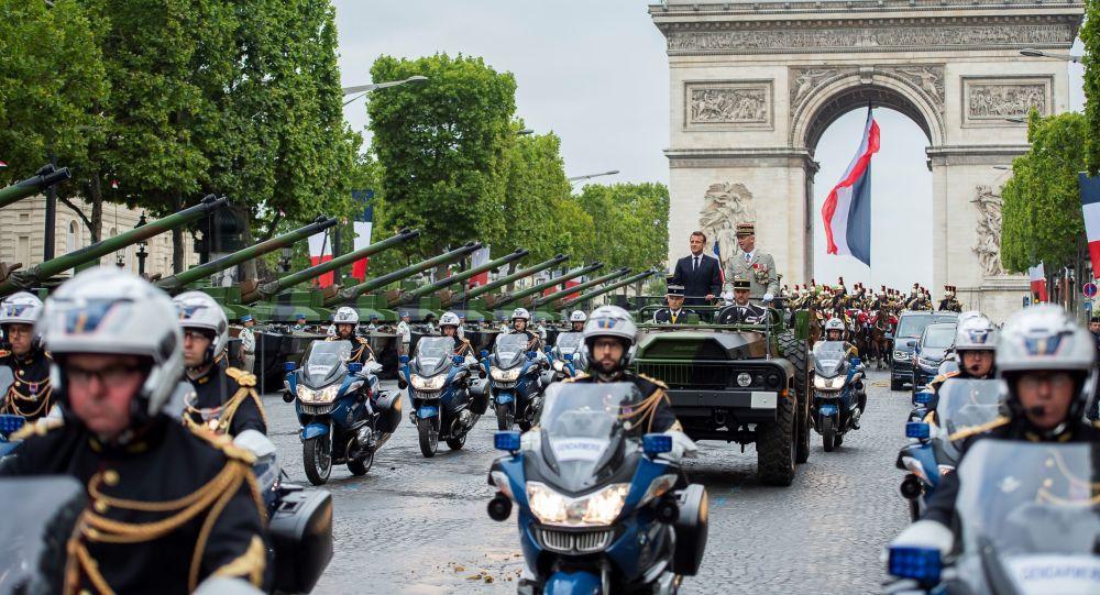 Desfile durante a  Festa nacional francesa, o chamado Dia da Bastilha, em 14 de julho de 2019