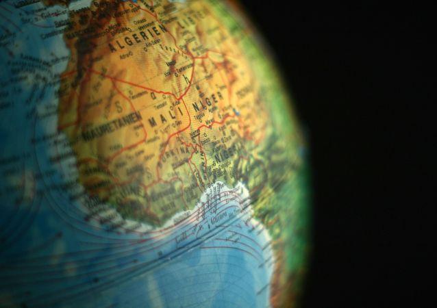 Continente africano no globo terrestre (imagem de arquivo)