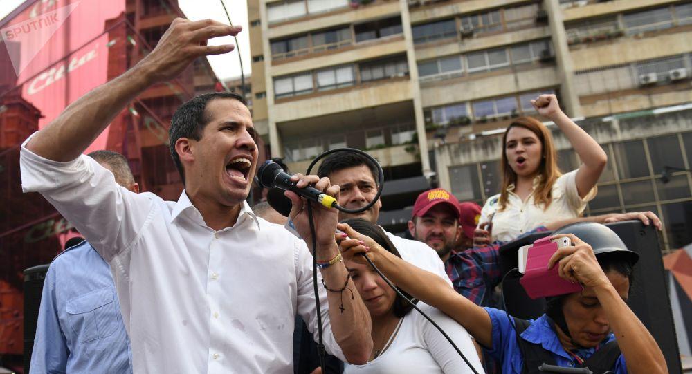 Juan Guaidó durante mobilização popular em Caracas, Venezuela