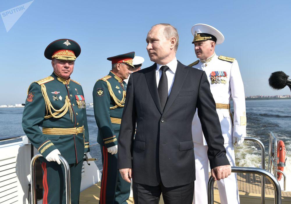 Presidente russo Vladimir Putin participa da celebração do Dia da Marinha russa, na cidade de São Petersburgo