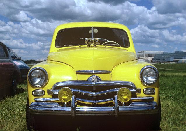 Carro lendário Pobeda (Vitória) da Fábrica de Automóveis Gorky (GAZ na sígla em russo)é um dos símbolos da União Soviética.