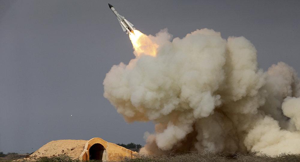 Míssil S-200 iraniano durante exercício militar em Bushehr 29/12/2016