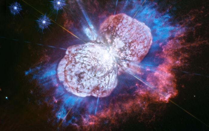 """Uma das maiores estrelas da Via Láctea, Eta Carinae, potencial """"assassino"""" da vida na Terra"""