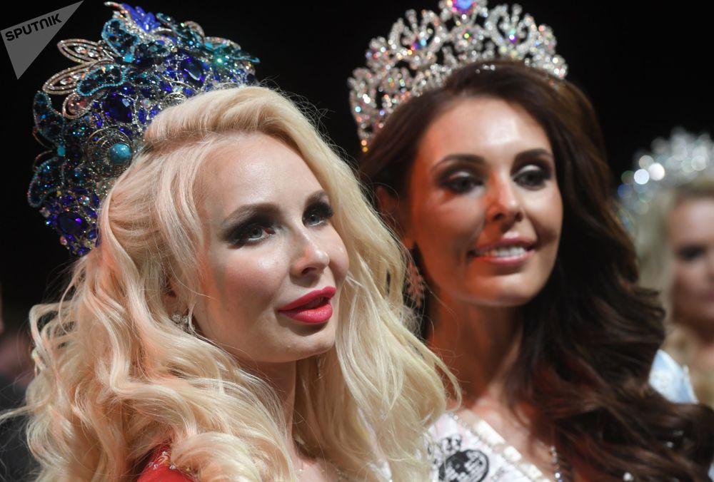 Vencedora do concurso Mrs. Rússia, Ekaterina Nishanova, habitante de uma pequena cidade no sul da Rússia