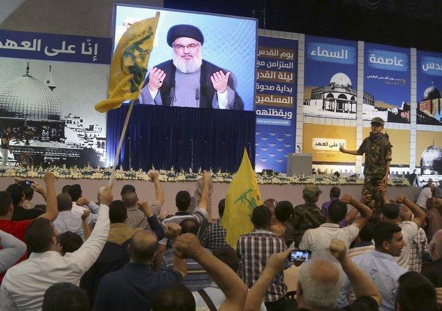 Líder do movimento libanês Hezbollah Sayyed Hassan Nasrallah durante transmissão em vídeo