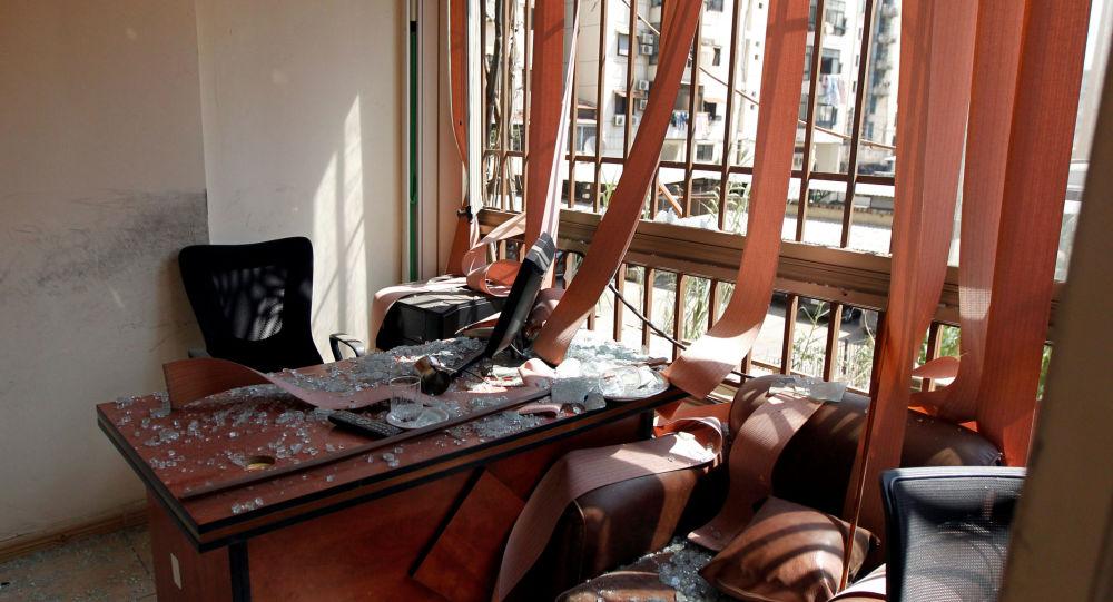 Danos causados a uma das sedes do movimento Hezbollah, depois que um drone israelense caiu e um segundo drone explodiu perto do solo nos subúrbios de Dahiyeh, em Beirute, Líbano, 25 de agosto de 2019