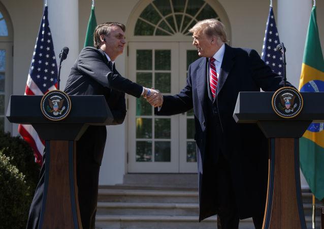 Donald Trump e Jair Bolsonaro durante a conferência de imprensa em Washington