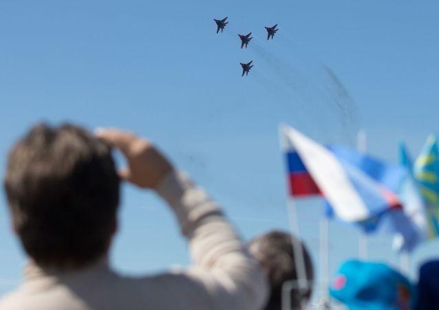 Os caças MiG-29 do grupo de pilotagem Strizhi