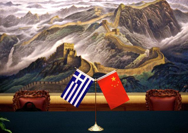 Bandeiras da Grécia e da China