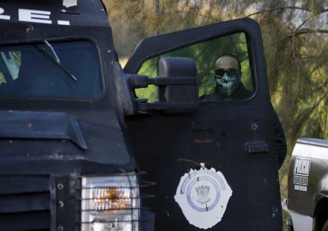 Policial de Michoacán, no México, em foto de 2015.