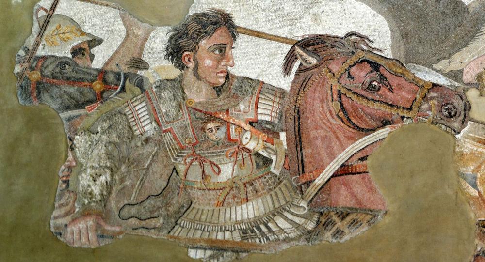 Alexandre, o Grande, em um fragmento de mosaico romano de Pompeia, cópia de uma pintura grega da Antiguidade