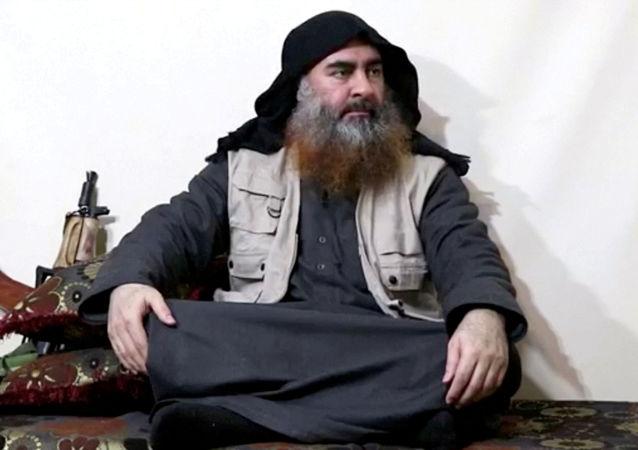 Líder do Daesh, Abu Bakr al-Baghdadi, em 29 de abril de 2019