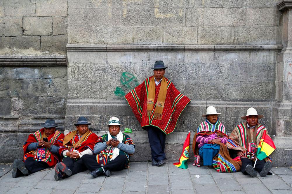 Apoiadores do presidente boliviano Evo Morales na capital de seu país, La Paz