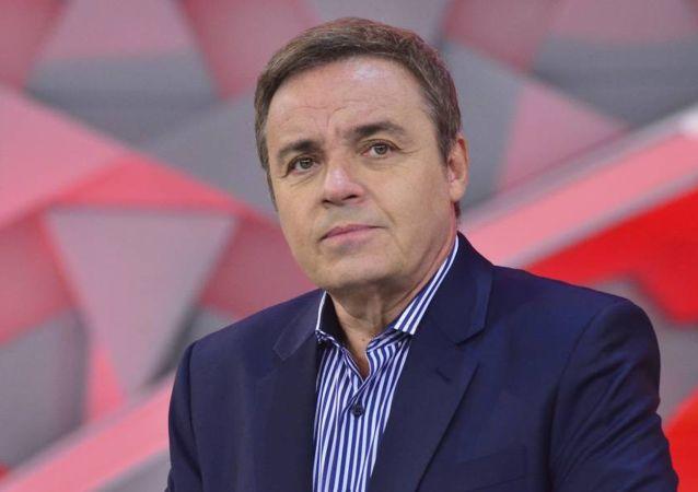 Apresentador da TV Record Gugu Liberato