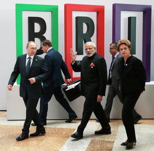 Líderes dos BRICS durante a VII Cúpula do bloco, em Ufá, na Rússia