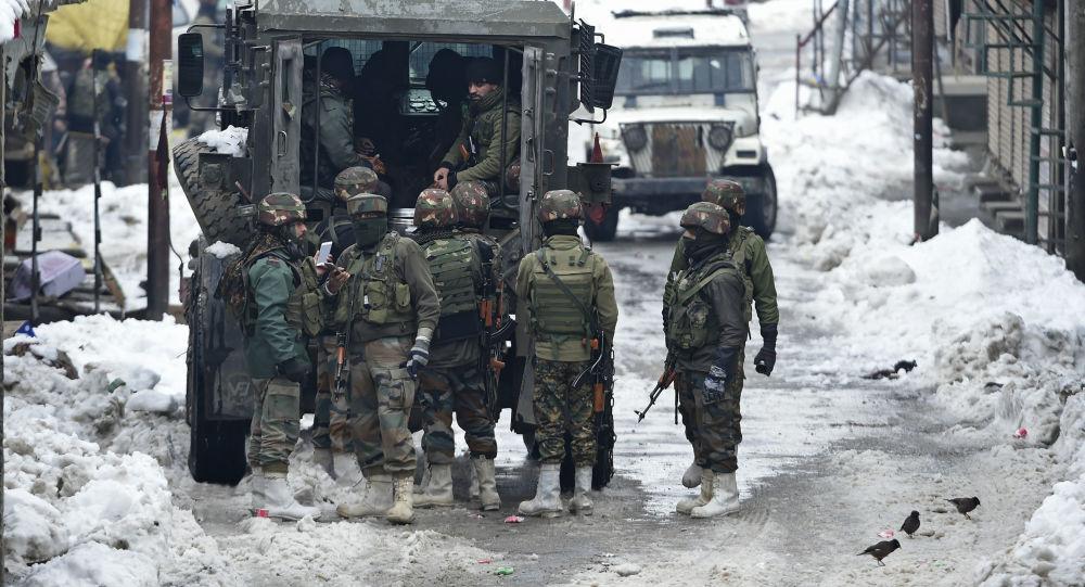 Índia volta a enviar tropas para fronteira com China, após recente conflito na região, diz mídia