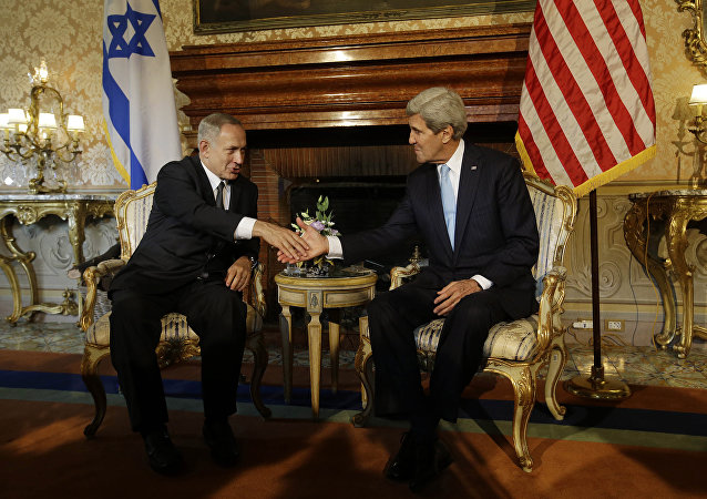 John Kerry e Benjamin Netanyahu