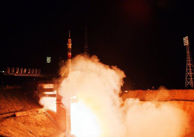 Lançamento da nave espacial Soyuz TMA-17M