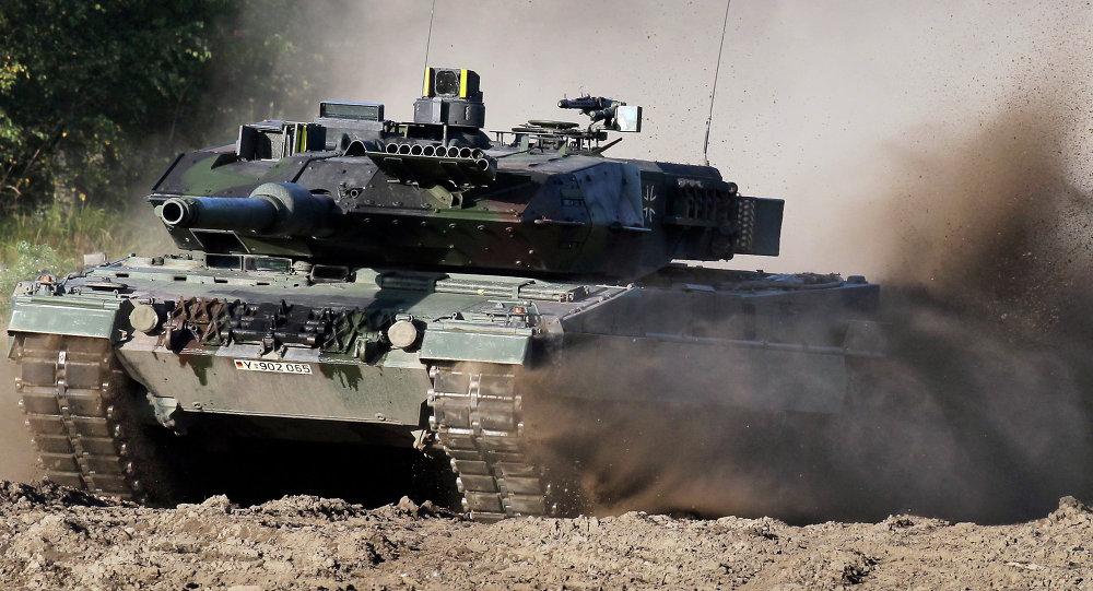 Tanque Leopard 2 durante demonstração na Alemanha (foto de arquivo)