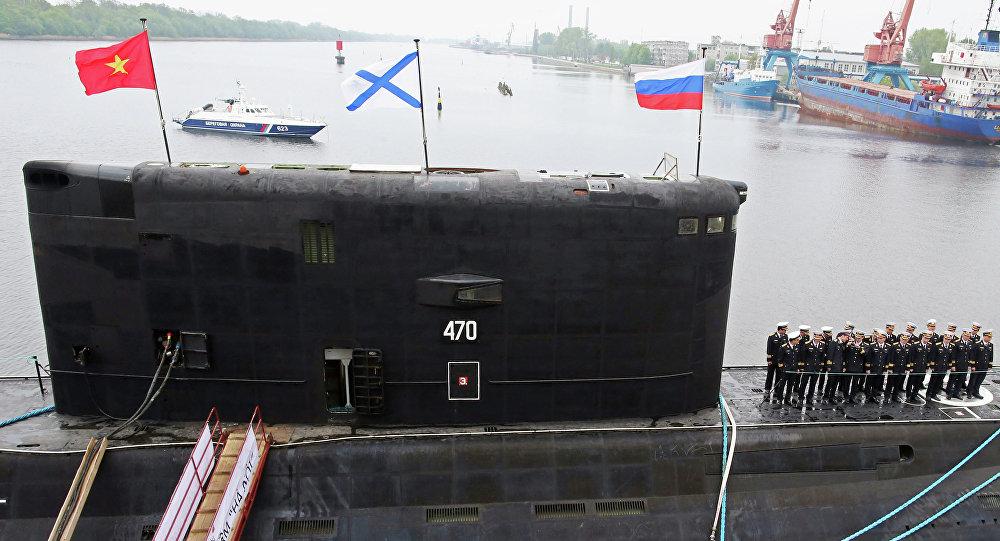 Submarino diesel-elétrico construído para a Marinha do Vietnã no estaleiro na cidade russa de Svetly, na região de Kaliningrado.