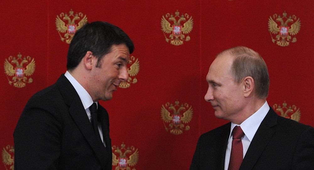O presidente russo, Vladimir Putin, e o premiê italiano, Matteo Renzi. Foto de arquivo