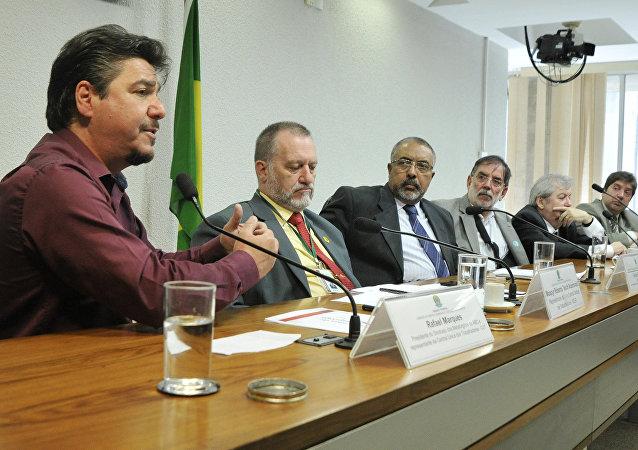 Audiência pública com representantes de sindicatos e da Associação de Magistrados da Justiça do Trabalho para discutir a redução de jornada de trabalho com redução de salário