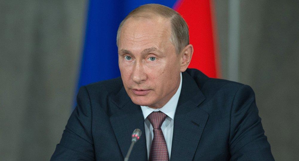 Presidente russo, Vladimir Putin, durante reunião do Conselho de Estado na Crimeia.