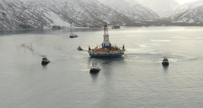 Plataforma de petróleo da Shell na ilha Kodiak, no sul do Alasca, em 26 de fevereiro de 2013