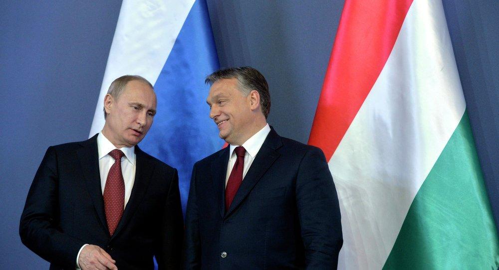 Vladimir Putin, presidente da Rússia, e Viktor Orban, primeiro-ministro da Hungria