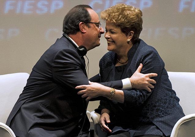 Encontro entre a presidenta afastada Dilma Rousseff e o chefe de Estado francês, François Hollande, em São Paulo, em dezembro de 2013