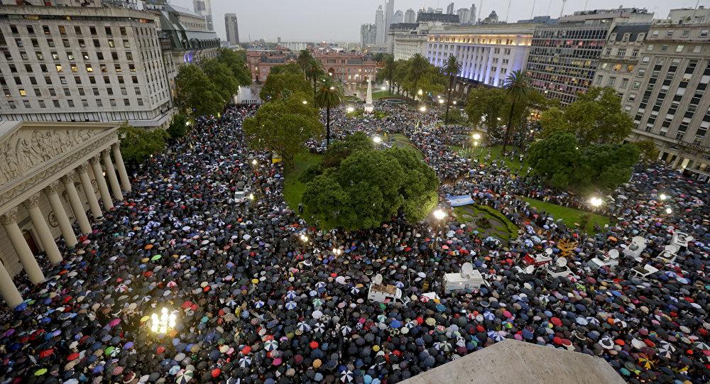 Buenos Aires: Manifestação na Avenida de Mayo