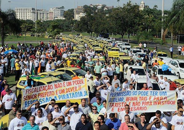 Protesto de taxistas contra o aplicativo Uber no Rio de Janeiro