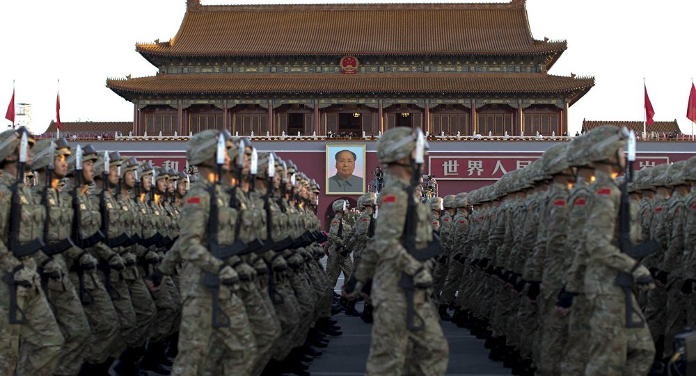 Soldados chineses desfilam em Pequim