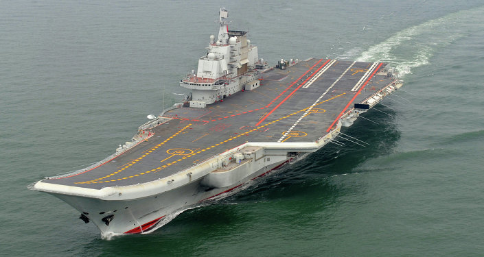 Porta-aviões chinês Liaoning.