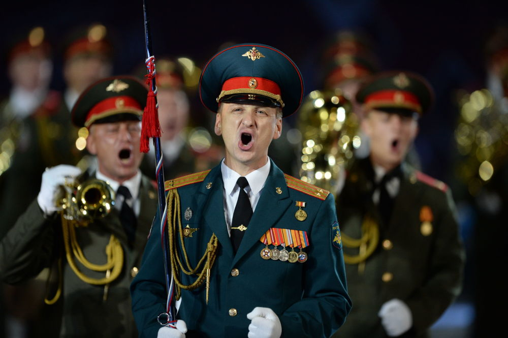 Banda militar do Ministério da Defesa russo na abertura do Festival Internacional de Música Militar Spasskaya Bashnya