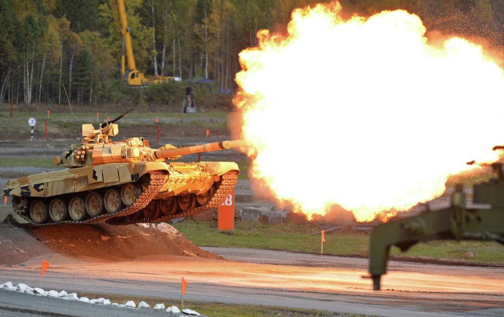 Show de tiro realizado no âmbito da exposição internacional de equipamento militar Russia Arms Expo (RAE)