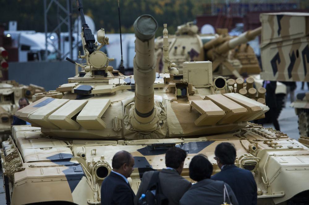 Tanque Т-72-63 na exposição internacional de equipamento militar Russia Arms Expo