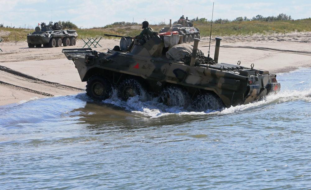 Veículo blindado de transporte de pessoal BTR-80