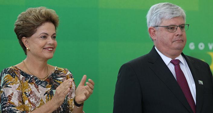 Dilma Rousseff durante a cerimônia de recondução de Rodrigo Janot ao cargo de Procurador-Geral da República