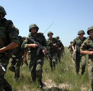 Soldados russos durante treinamento